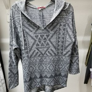 Tops - Gray and Black Printed Knit Hooded Top B4